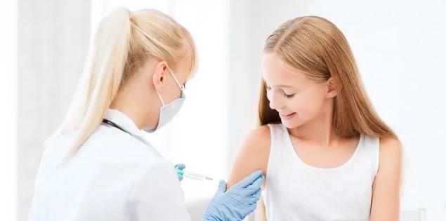 Teenager Impfung Coronavirus Vakzin